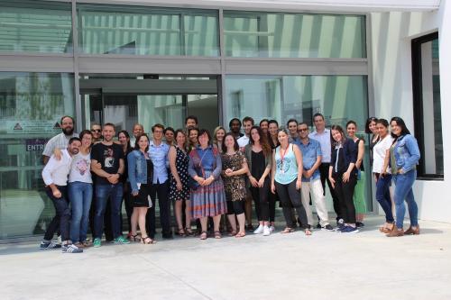 Photo de groupe de l'équipe de recherche ERRMECe